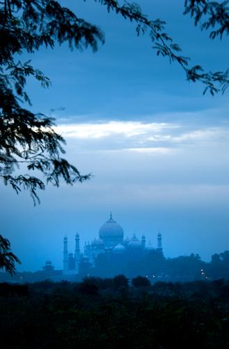 Taj Mahal di pagi hari
