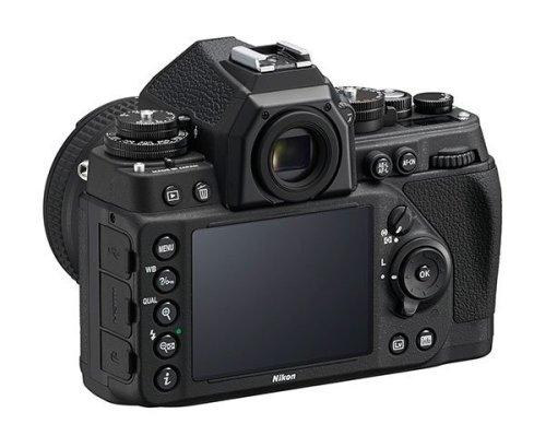 Tampak belakang Nikon Df