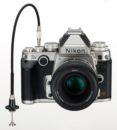Nikon DF dengan cable release manual