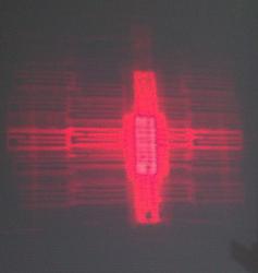 Laser Beam yang terpancar dari SU-800 untuk guide focus.