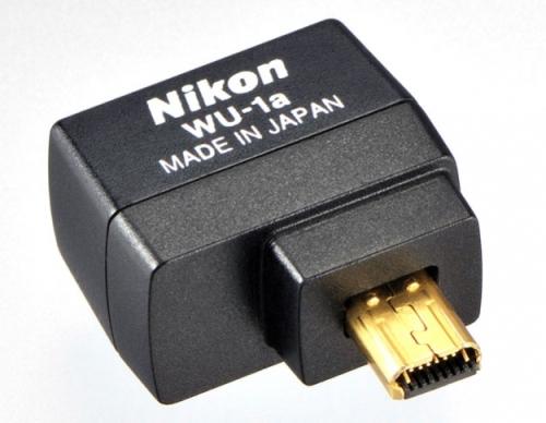 Nikon WU-1a (perhatikan PIn konektor yang berbeda dengan WU-1b )