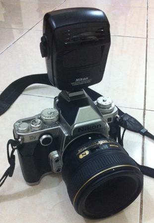 Nikon DF dengan modul Nikon SU-800