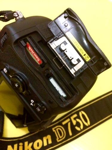 Double slot SD Card